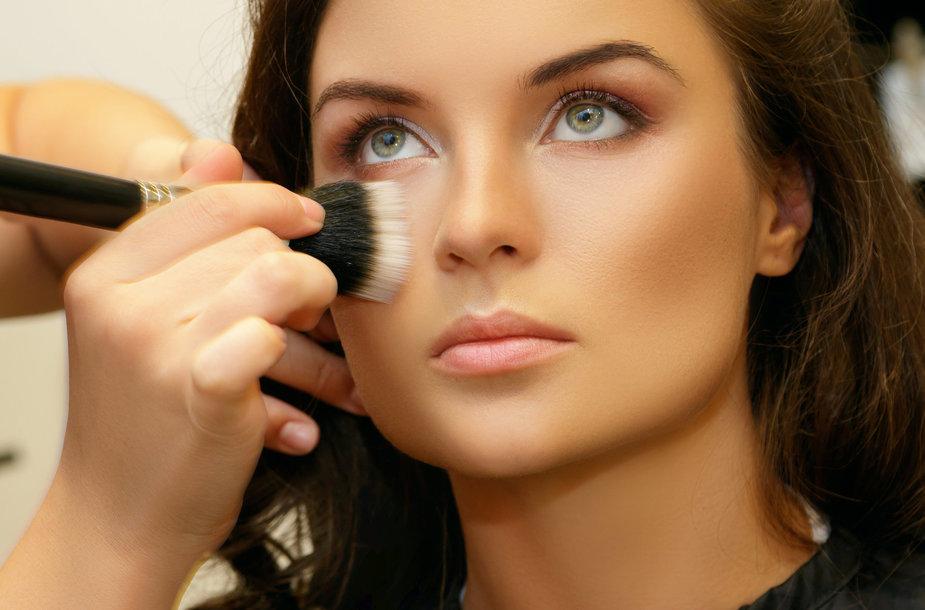 Read more about the article Tendencijų topuose – natūralumas: už putlias lūpas ir dirbtines blakstienas svarbiau individualus grožis